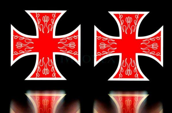 krzyz czerwono bialy 3 600x394 - 1 Paar LKW LED Leuchtschilder 12V Kreuz Rot-Weiß