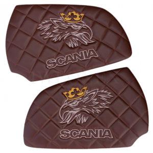 Turverkleidung SCANIA dunkelbraun stickerei svempa logo und text cappuccino 300x300 - Türverkleidung SCANIA Links/Rechts Dunkelbraun